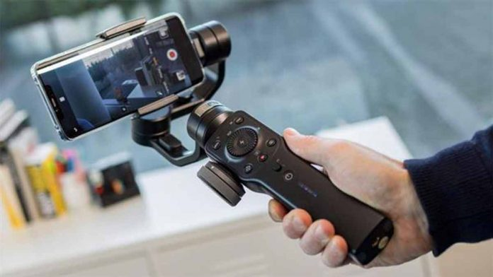 ZHIYUN SMOOTH 4 stabilizzare video degli smartphone