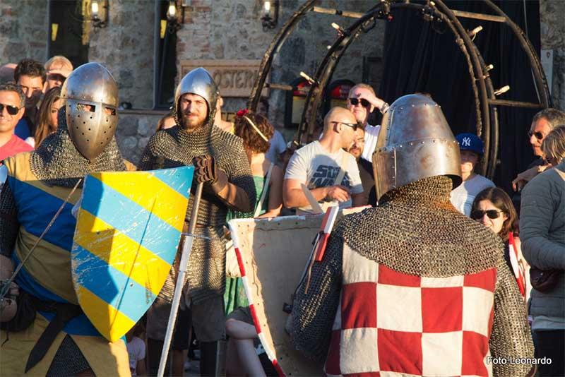 festa medioevale di Monteriggioni - esistere bene_0000__MG_6531ff4