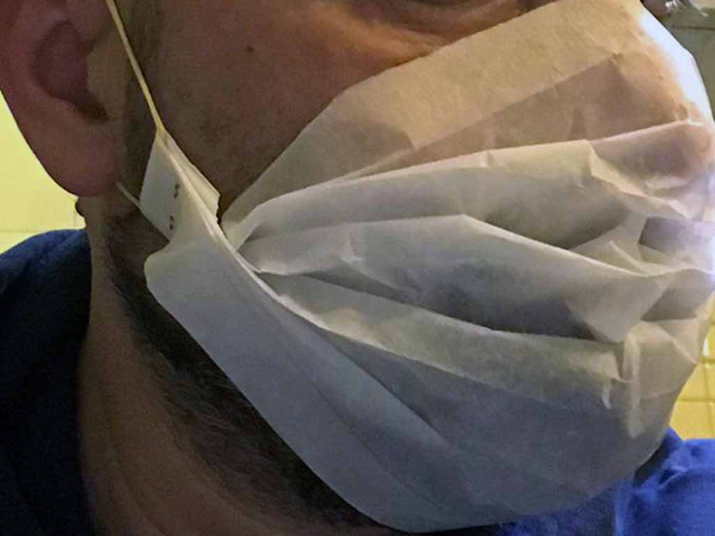 come fare mascherine antivirus a casa con la carta forno